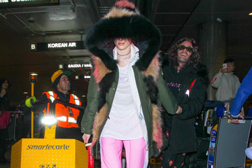 Mod Sun Bella Thorne And Mod Sun Arrive At LAX Airport