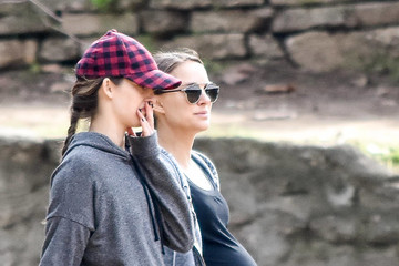 Natalie Portman Natalie Portman Goes For a Hike As Her Due Date Approaches