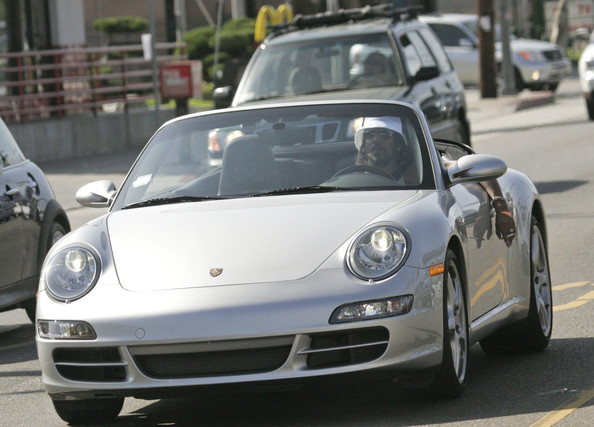 photo of Naveen Andrews Porsche - car