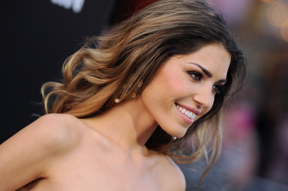 Yolanthe cabau shows her support for the netherlands