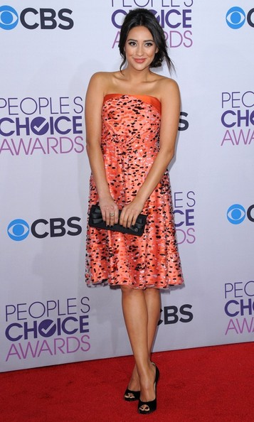 People's Choice Awards 2013..Nokia Theatre L.A. Live, Los Angeles, CA..January 9, 2013..Job: 130109A1..(Photo by Axelle Woussen)..Pictured: Shay Mitchell.