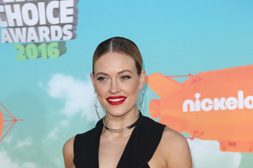 Peta Murgatroyd Celebrities Attend Nickelodeon's 2016 Kids' Choice Awards at The Forum