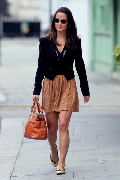 Pippa Middleton - Pippa Middleton Walks to Work 2