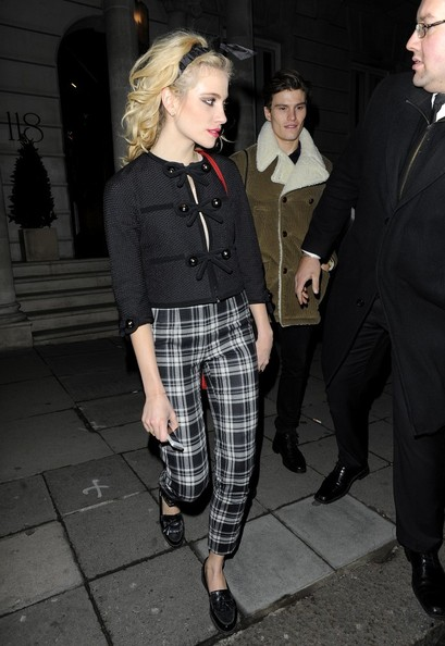 Pixie Lott - Pixie Lott Out on a Date With Her Boyfriend 2