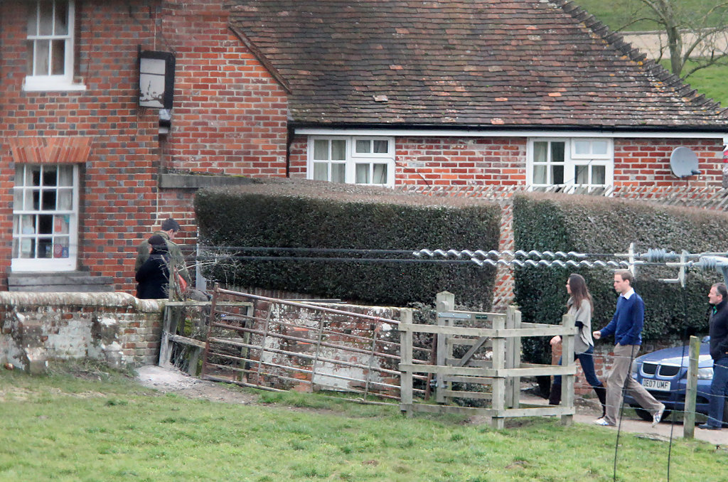 Prince William And Kate Middleton At A Pub Zimbio