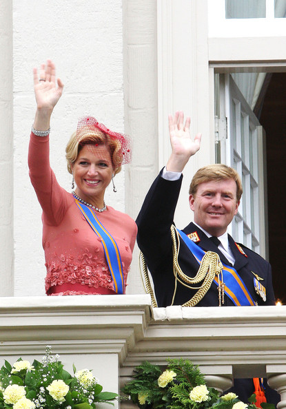 Dutch Royals open Parliament []