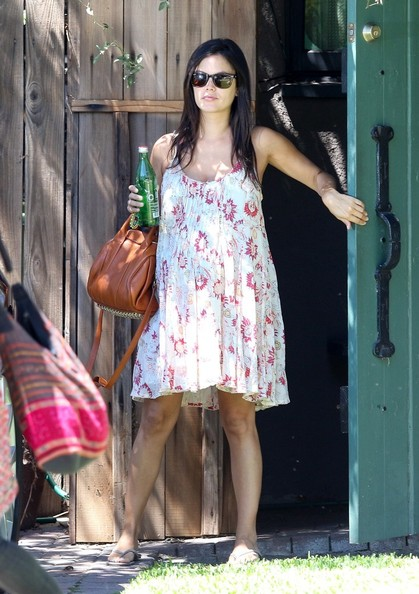 Rachel Bilson is seen at a friends house.NON EXCLUSIVE Aug 17, 2014.