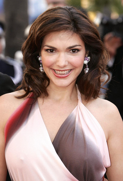 Laura Harring Laura Harring Pictures Red carpet arrivals for quotExils