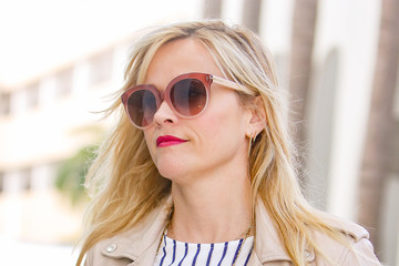 Reese Witherspoon Reese Witherspoon Runs Errands in Style