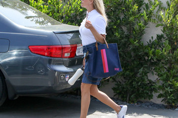 Reese Witherspoon Reese Witherspoon Out in Los Angeles