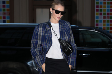 Rosie Huntington-Whiteley Rosie Huntington-Whiteley Struts Her Stuff In NYC