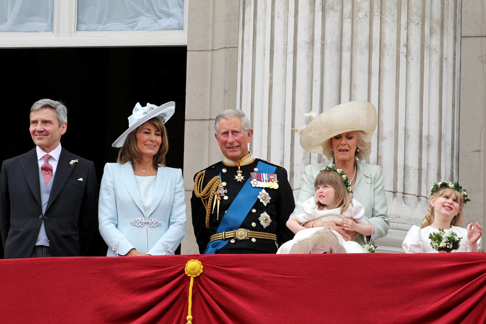 Camilla parker bowles photos photos royal wedding the for Queens wedding balcony