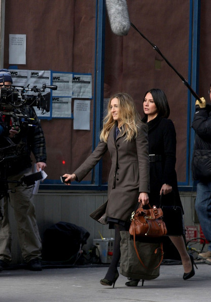 "Sarah Jessica Parker and Olivia Munn begin filming the the upcoming comedy "" I Don't Know How She Does It""."