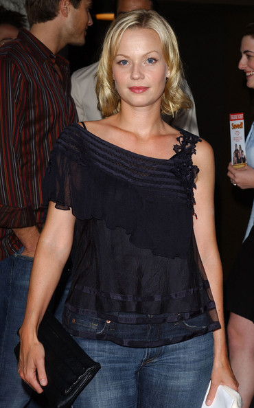 samantha mathis young