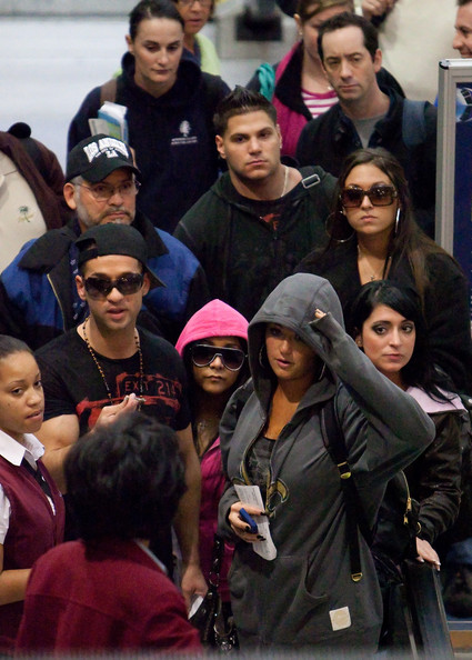 jersey shore ronnie hairstyle. Jersey Shore departs LAX