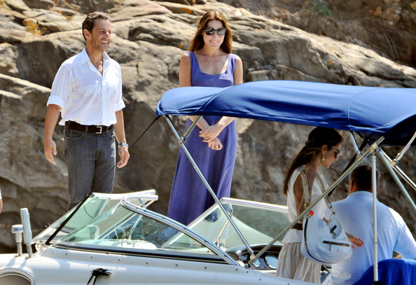 Nicolas Sarkozy French President Nicolas Sarkozy and wife Carla Bruni welcome King Abdallah of Jordan and Queen Rania to the South of France.