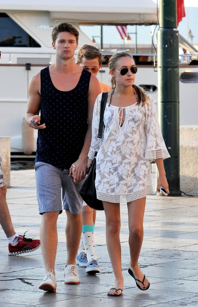 patrick schwarzenegger dating history Patrick schwarzenegger is currently dating abby champion commenced dating: 2016 view relationship brought to you by patrick schwarzenegger dating history.