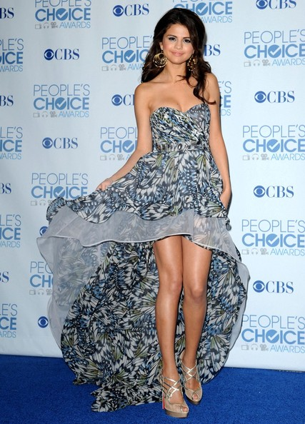 Selena Gomez 2011 People's Choice Awards - Press Room.
