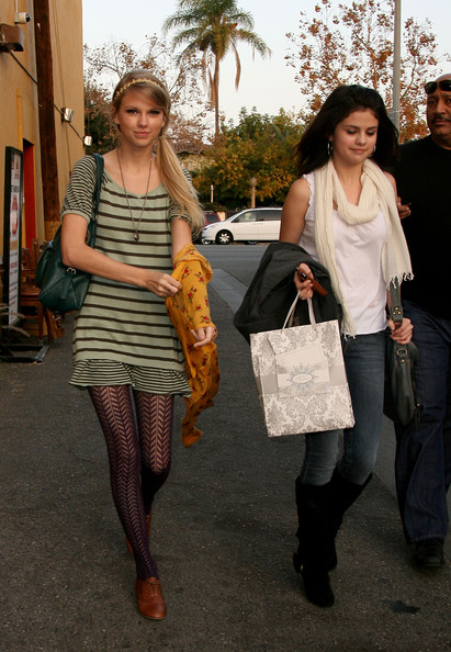 Selena Gomez and Taylor Swift - Taylor Swift and Selena Gomez at Mozza Restaurant
