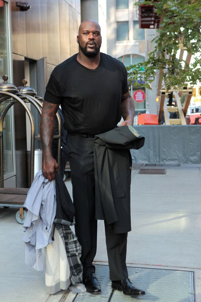 Shaquille O Neal Photos Photos Shaq Leaves His Hotel