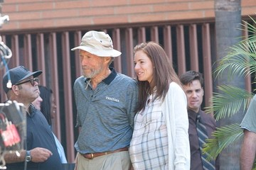 Sienna Miller Clint Eastwood and Sienna Miller on Set