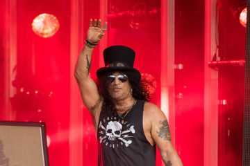 Slash Slash At 'Jimmy Kimmel Live'