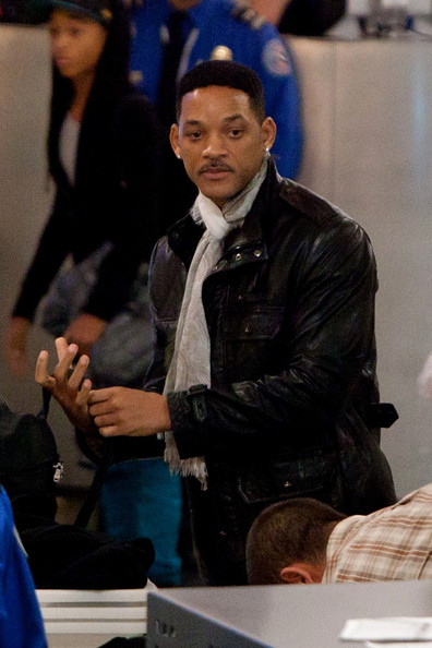 will smith and family 2011. Will Smith and Family depart