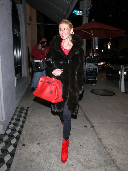 Tara Reid Outside Craig's Restaurant In West Hollywood