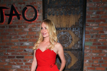 Taylor Armstrong Taylor Armstrong Is Spotted at TAO Restaurant