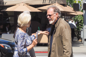 Taylor Hackford Helen Mirren and Taylor Hackford Go Out for a Walk