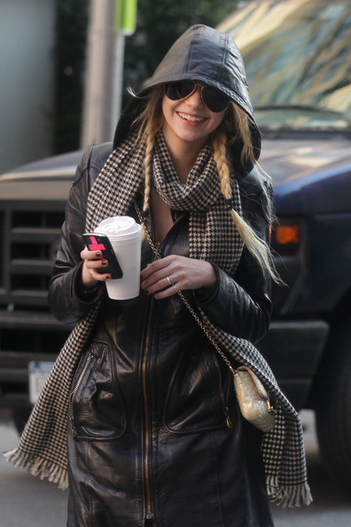 Taylor Momsen - Cast of 'Gossip Girl' on Set