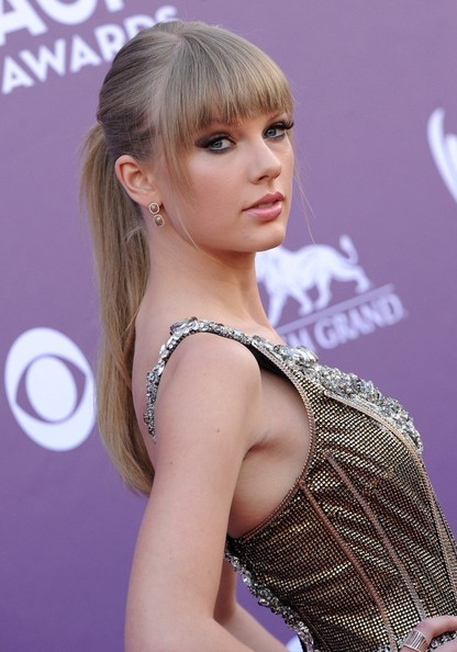 Arrivals at the Country Music Awards []