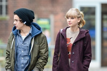 Taylor Swift Harry Styles Taylor Swift and Harry Styles Together in Central Park 2