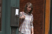 Taylor Swift Rocks Plaid in NYC