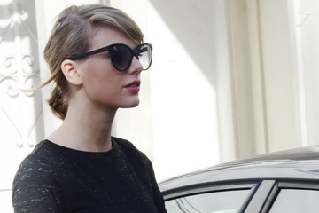 Taylor Swift Taylor Swift Wears All Black