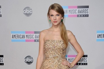 Taylor Swift 2011 American Music Awards