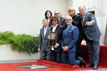 Tom Labonge Jeff Lynne Honored on the Walk of Fame