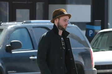 Tom Sturridge Tom Sturridge Goes for a Walk
