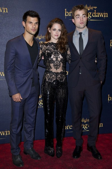 14/11/2012. 'The Twilight Saga Breaking Dawn Part 2' UK Premiere at The Odeon Leicester Square.Pictured: Taylor Lautner, Kristen Stewart and Robert Pattinson.