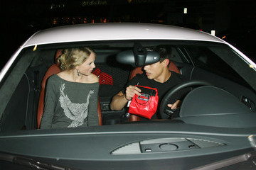 Taylor Swift Taylor Lautner Taylor Lautner and Taylor Swift in Beverly Hills 2