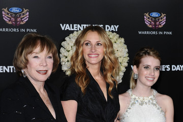 "Julia Roberts Shirley MacLaine ""Valentine's Day"" World Premiere"