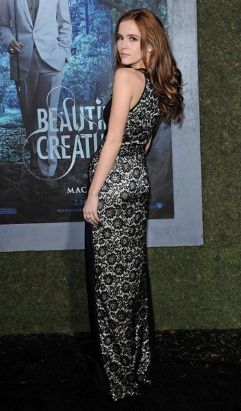 Zoey Deutch in Oday Shakar Zoey Deutch Beautiful Creatures Premiere