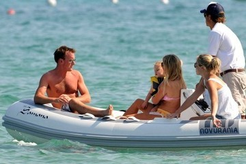 Bluebell Madonna Halliwell Geri Halliwell and Her Daughter in St. Tropez