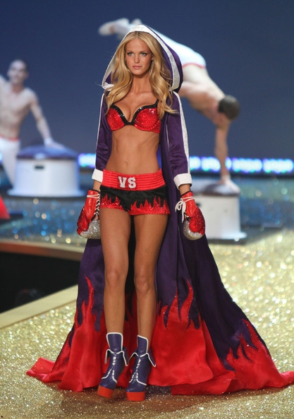 victoria secret models runway. 2010 Victoria#39;s Secret Fashion
