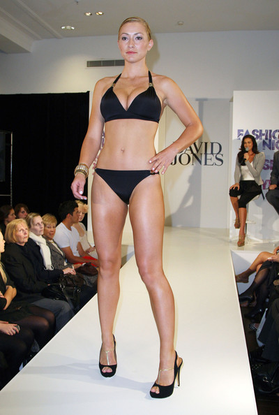 2010 Vogue Fashion's Night Out - Isola Swimwear - Pictures - Zimbionn models