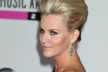 Jenny McCarthy 2010 American Music Awards - Arrivals