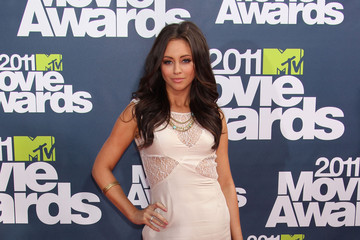 Nicole Dabeau 2011 MTV Movie Awards - Arrivals