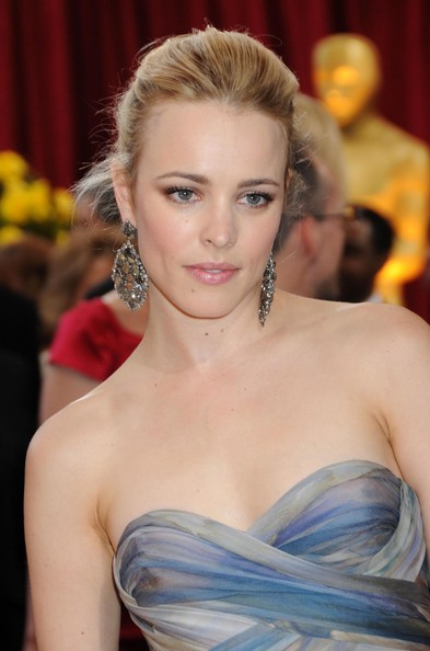http://www2.pictures.zimbio.com/fp/82nd+Annual+Academy+Awards+Arrivals+5+GG90zHlVUy7l.jpg