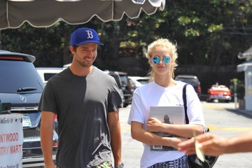 Abby Champion Patrick Schwarzenegger Lunches With His Girlfriend