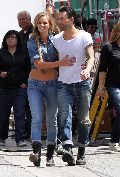 Adam Levine And Anne Vyalitsyna In Misery Pics For  gt  Anne V AdaAdam Levine And Anne Vyalitsyna Misery